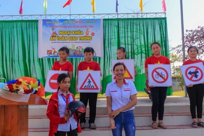 A5-Ngoại khóa An toàn giao thông trường THCS Quảng Tiên